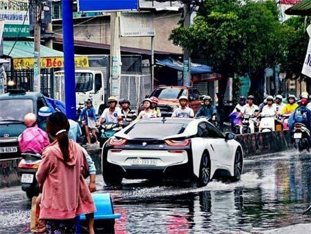 BMW i8 'lội nước' ở Việt Nam gây tò mò trên Instagram