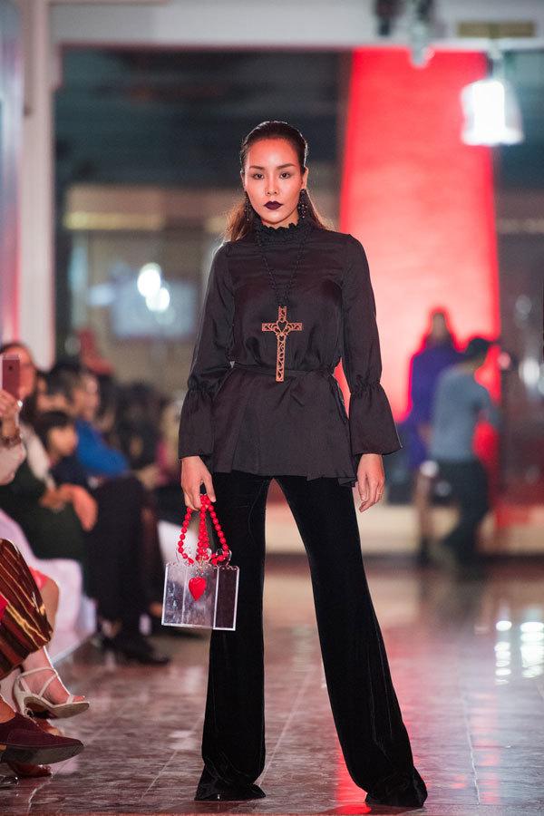 Hoa hậu Thu Thuỷ quay trở lại sàn diễn thời trang