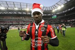 Balotelli hóa ông già Noel, Nice độc chiếm ngôi đầu Ligue 1