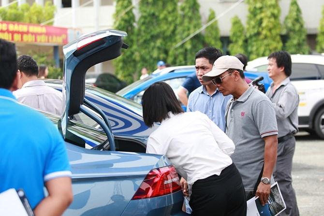 Tài mới mua ô tô cũ: Lợi bất cập hại