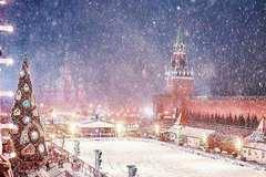 Cảnh tuyết rơi đẹp mê mẩn ở Moscow