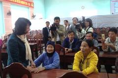 Phó Chủ tịch nước thăm người dân vùng lũ lụt miền Trung