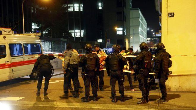 Cảnh sát phong tỏa hiện trường. (Ảnh: BBC/VNN)