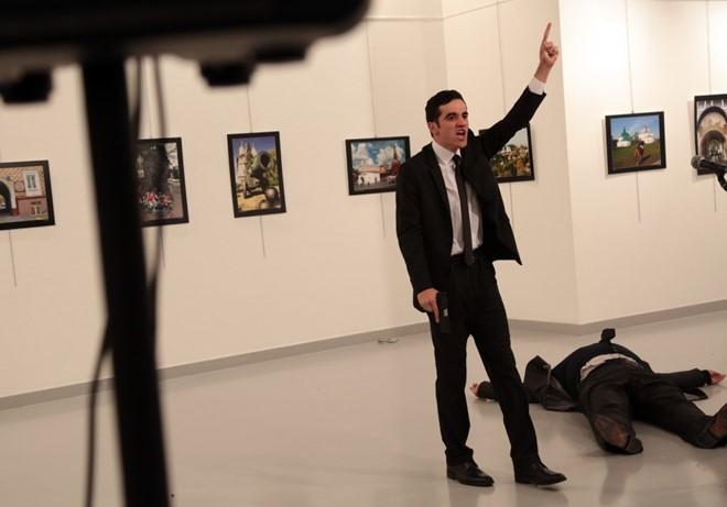 Vụ ám sát Đại sứ Nga: Có hay không bàn tay đen thứ ba?