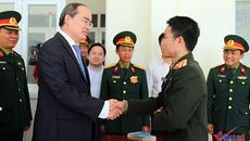 Ông Nguyễn Thiện Nhân thăm Trường Sĩ quan đặc công