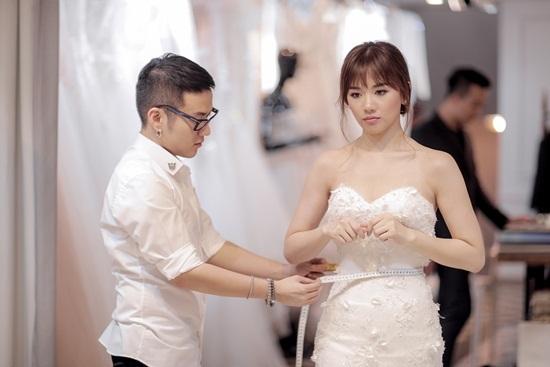 Trấn Thành – Hari Won lộ ảnh mệt mỏi dù ngày cưới gần kề
