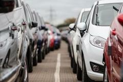 Vì sao nhà sản xuất 'đua nhau' giảm giá ô tô trước 1/1/2017?
