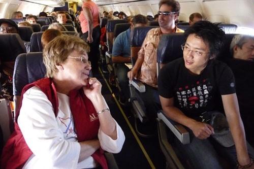 7 phép lịch sự khi đi máy bay