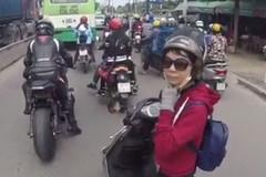 Cô gái chặn đầu, mắng biker phân khối lớn 'chạy xe phải có não'