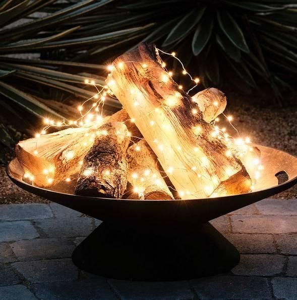 20161222144056 trang tri nha 1 Mách bạn cách trang trí nhà với đèn dây cho Giáng sinh thêm ấm áp