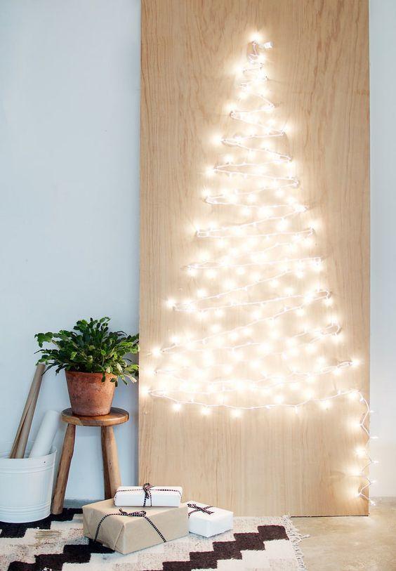 20161222152146 trang tri nha 26 Mách bạn cách trang trí nhà với đèn dây cho Giáng sinh thêm ấm áp