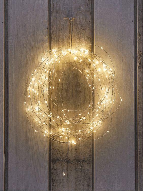 20161222153009 trang tri nha 35 Mách bạn cách trang trí nhà với đèn dây cho Giáng sinh thêm ấm áp