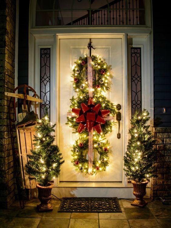 20161222153009 trang tri nha 37 Mách bạn cách trang trí nhà với đèn dây cho Giáng sinh thêm ấm áp