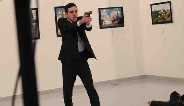 Vì sao kẻ ám sát Đại sứ Nga không bị bắt sống?