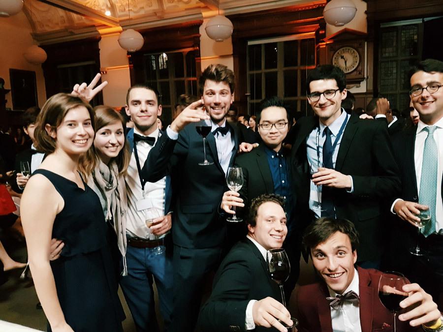 9X kể chuyện cuộc sống 'sang chảnh' và cực nhọc ở Oxford