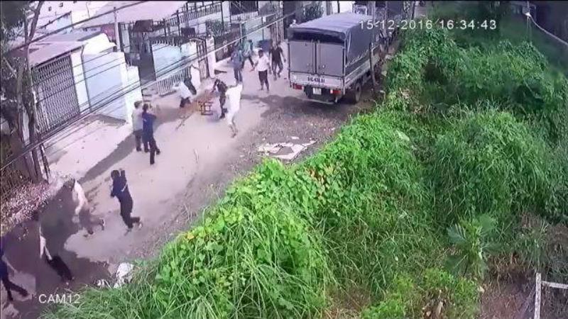 Truy xét 20 giang hồ hành hung công nhân nhập viện ở Sài Gòn