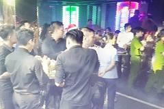 Hơn 100 cảnh sát đột kích 2 tụ điểm ăn chơi ở Sài Gòn