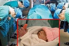 Xúc động em bé sơ sinh chỉ sống được vài giờ cứu cả cuộc đời người không quen biết