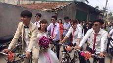 Chú rể Hà thành rước dâu bằng dàn xe đạp cổ