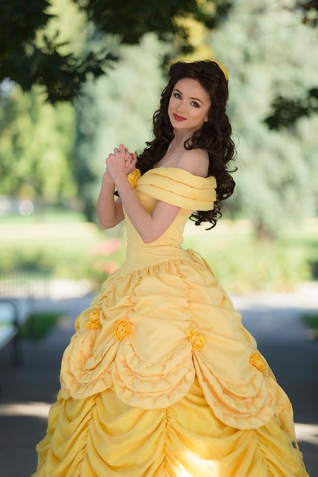 Cô gái chi hơn 300 triệu đồng để hóa trang thành công chúa