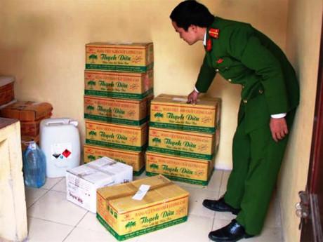 Thanh Hoá: Phát hiện cơ sở sản xuất dấm từ axit axetic và nước lã