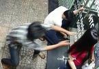 Một nhà báo nữ bị cướp tài sản ngay trước cổng nhà