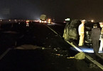 Thay lốp trên đường cao tốc, hai người bị đâm tử vong