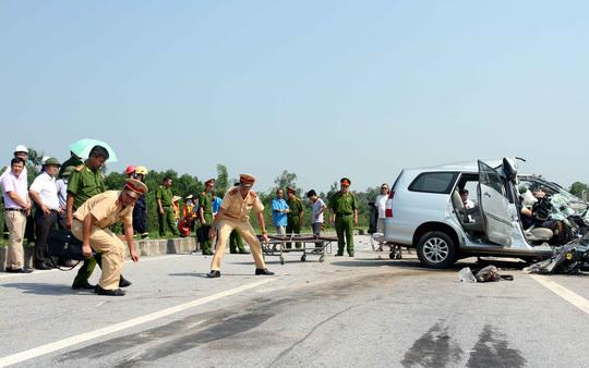 đường cao tốc, Bộ Giao thông vận tải, đường bộ cao tốc, tuyến cao tốc, ách tắc giao thông, tai nạn nghiêm trọng, cứu nạn, tai nạn trên đường cao tốc, xe o to, xe ô tô