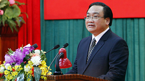 Bí thư Hà Nội nói về khuyến cáo không váy ngắn