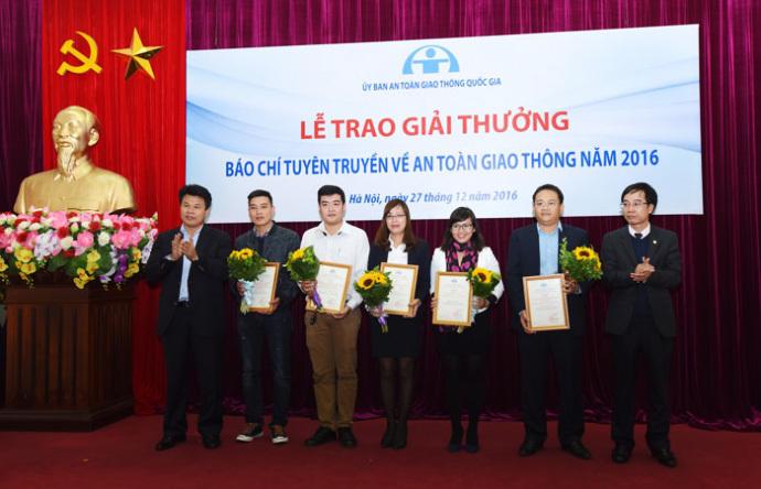 VietNamNet đạt 2 giải thưởng báo chí viết về ATGT