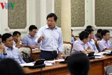 Chủ tịch TP.HCM họp khẩn giải quyết ùn tắc giao thông