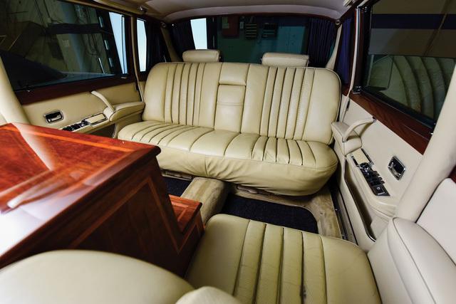 Xe nguyên thủ một thời Mercedes-Benz 600 Pullman tìm chủ mới