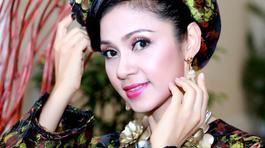 Việt Trinh được khán giả tặng vàng không đếm xuể