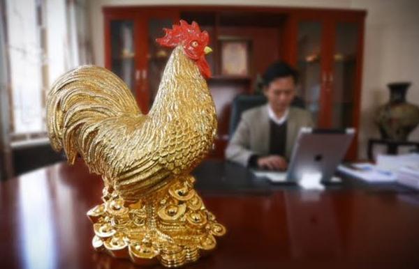 30 triệu một con gà phủ vàng ròng chơi Tết