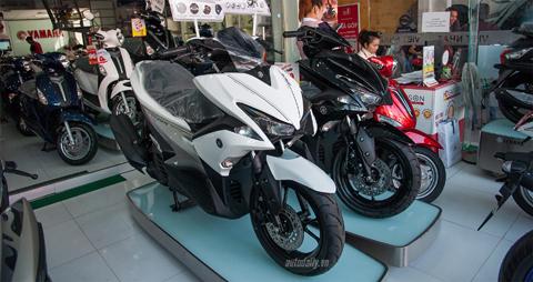 """5 """"bom tấn"""" trên thị trường xe máy Việt trong năm 2016"""