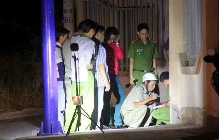 TP.HCM: Thiếu nữ bị đâm gục bên lề đường