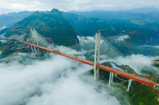 Cận cảnh cầu vượt sông cao nhất thế giới