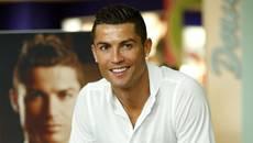 Trung Quốc rải tiền, Ronaldo ngoảnh mặt làm ngơ