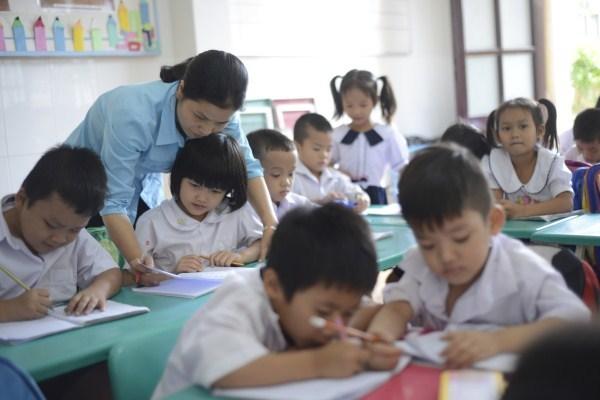 Lớp học giữa Sài Gòn của các cô cậu bé không biết mùi học thêm - ảnh 1