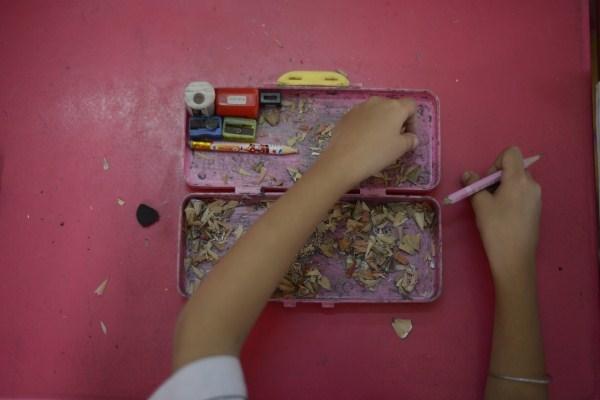 Lớp học giữa Sài Gòn của các cô cậu bé không biết mùi học thêm - ảnh 2