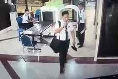 Nghi phi công say xỉn, hành khách hốt hoảng bỏ chuyến