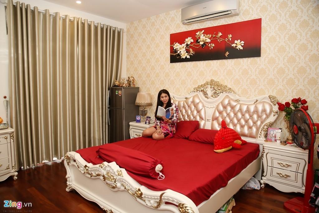 Thăm biệt thự mới xây, rộng 700 m2 của Lý Hùng