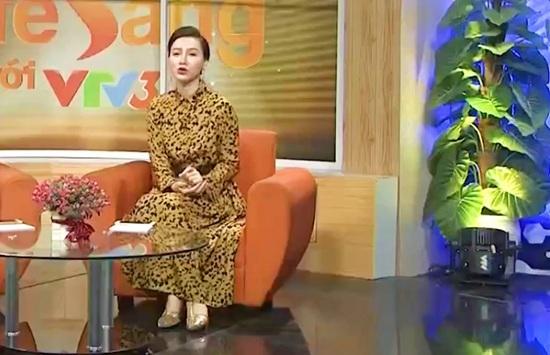 BTV Hoài Anh xinh đẹp nổi bật giữa dàn MC của VTV