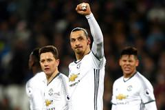 MU hay nhất từ thời Sir Alex: Bản lĩnh và vận may Mourinho