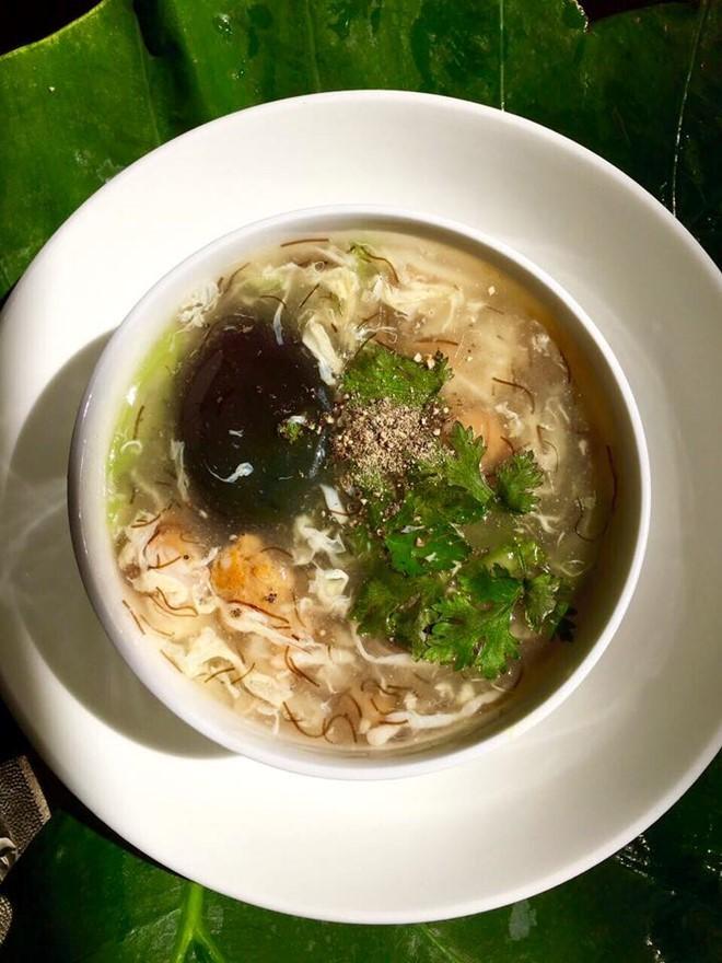 Nấu súp cua thập cẩm độc đáo cho ngày sum họp