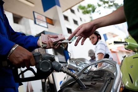 Hôm nay 4/1, giá xăng tăng mạnh trong đợt đầu 2017