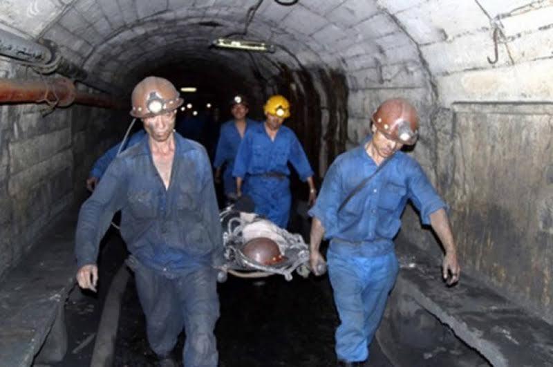 Tụt nóc hầm lò than, một công nhân tử nạn
