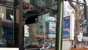 Buýt nhanh gặp nạn trên đường Giảng Võ