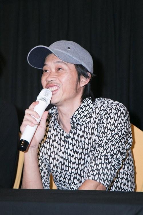 Hoài Linh 'bắt đền' tiền sửa xe vì tai nạn trên phim trường