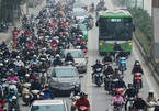 Hà Nội: Buýt nhanh BRT bị 'vây hãm' tứ phía